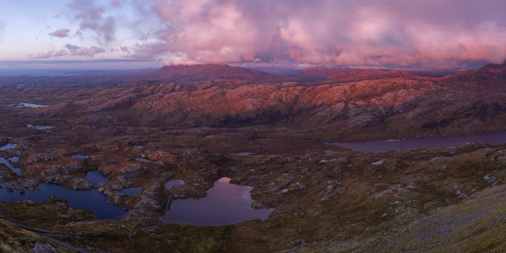 Sunset view from the top of Suilven, picture by John McSporran CC by 2.0