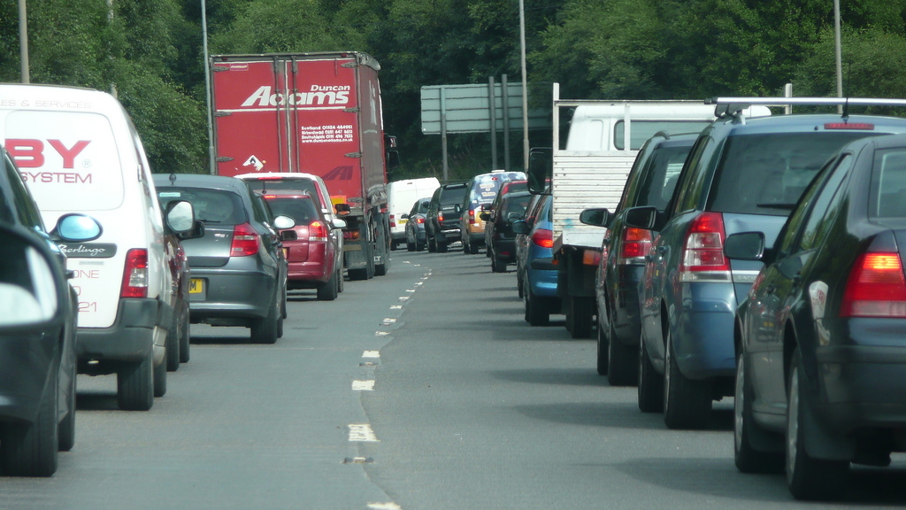 Nose to tail traffic queue, Put Up With It by Richard Paterson CC BY-NC 2.0